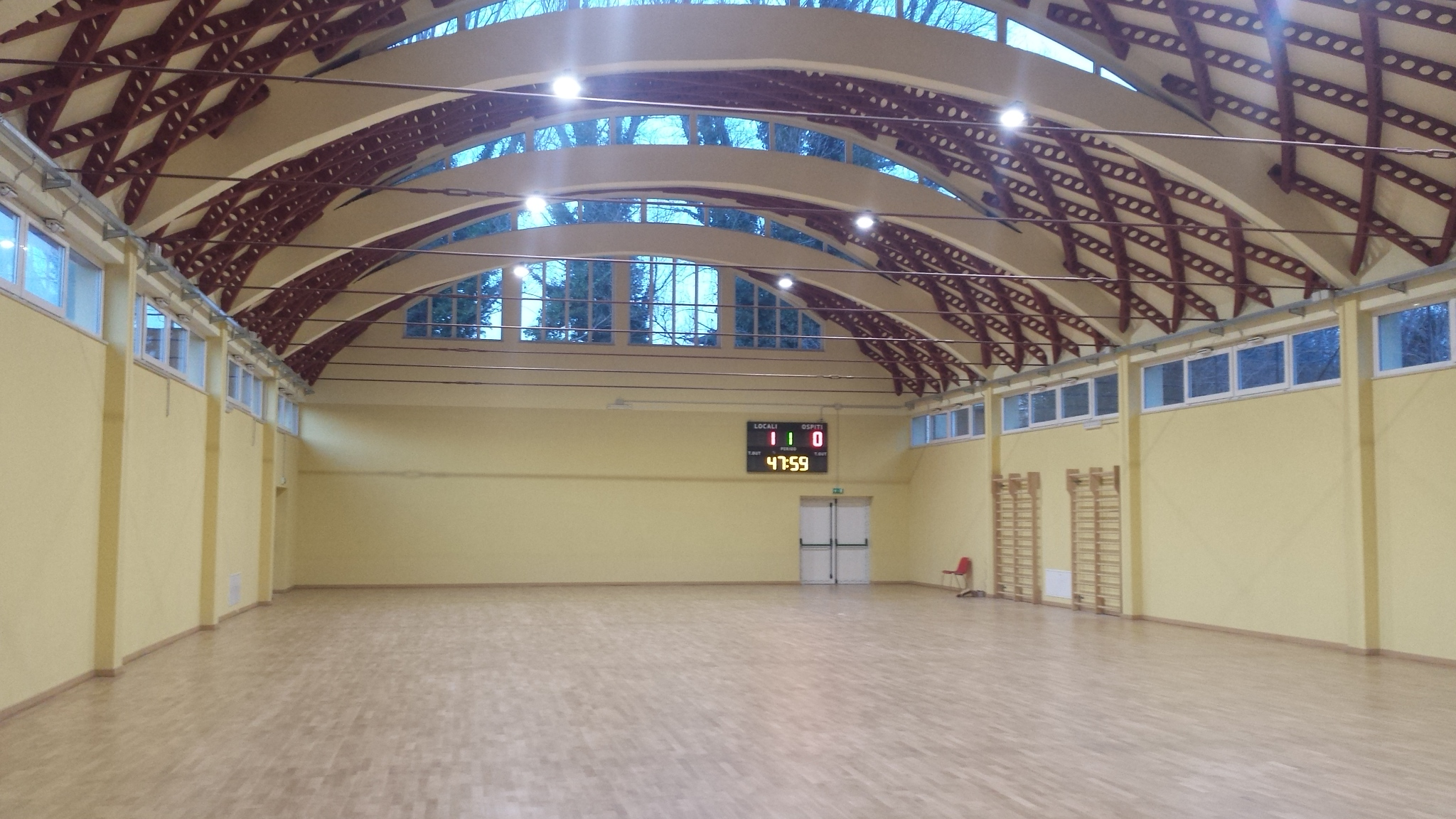 Palestra-Liceo-Virgilio-Marone-Avellino-interno